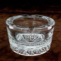 Daum France massiver Kristall Aschenbecher Glaskunst signiert