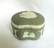 Vintage Green Wedgwood Jasperware English Porcelain Cameo Relief Trinket Box