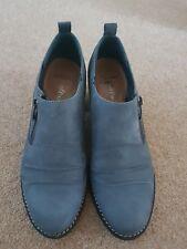 Ladies Clarks size 5.5 nubuck denim blue ankle boots
