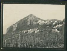 Italie, Environs de Naples, Ville sur la colline, ca.1900, Vintage silver print
