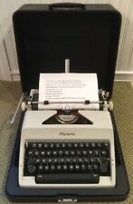 VTG 1969 Olympia SM9 DeLuxe Portable Quertz Keys Typewriter & Case Germany MINT!