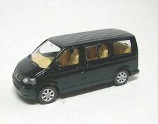 VW Multivan (vert foncé)