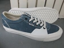 NWT MEN'S VANS STYLE 205 SNEAKERS/SHOES SIZE 9.BRAND NEW FOR 2018. SALE!