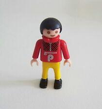 PLAYMOBIL (3157) ENFANT MODERNE - Garçon Pull Col Roulé Rouge Pantalon Jaune