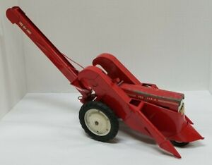 Vintage Carter Tru-Scale 1/16  Corn Picker W/ Tractor-  Vintage Farm Toys 1:16