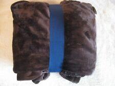 """Berkshire Blanket 50"""" x 70"""" Super Soft Fluffie Throw - New!"""
