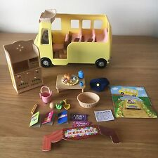 Sylvanian Families Nursery School Bus with Picnic Accessoires Kids Toys