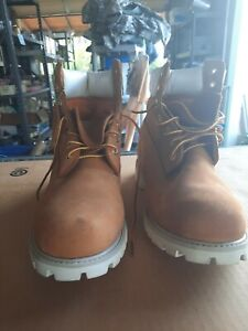 TIMBERLAND SIZE 9 1/2 M  MENS WORK BOOTS WHEAT TAN