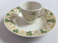 Vintage METLOX Poppytrail Sculptured Daisy Replacement Soup Bowl & Coffee Cup