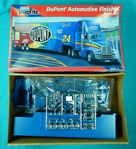 SnapTite DuPont Race Rig Transporter Model Kit Truck Box