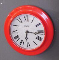 Kienzle Boutique Uhr Wanduhr rot space age Design Entwurf 70er 70s vintage clock