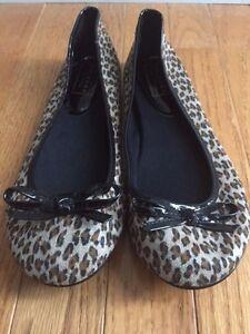 ARIZONA Women's Tootsie Leopard Print Ballerina Flat Size US 6.5 M