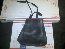 Coach Black Pebbled Leather 4923 Sonoma Bucket Shoulder Bag In Good Condition
