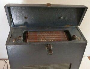 1947 Elecrosound Serenader Radio