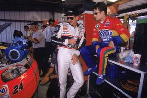 BEAUTIFUL NASCAR SUPERSTARS JEFF GORDON AND DALE EARNHARDT 8X10 PHOTO W/BORDERS