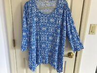Woman's Lulu B size XL blu multicolored asymmetrical 3/4 sleeve rayon blend top