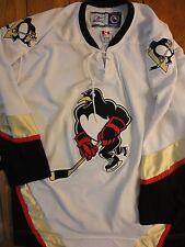 Euc Signed Mens Xl Wilkes Barre White Penguins Hockey Jersey Shirt