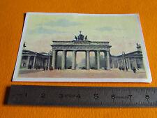 CHROMO BISCOTTES LUC 1950-1955 N°1 BERLIN LA PORTE DE BRANDEBOURG