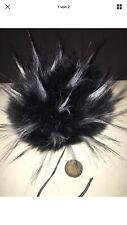 mit längeren Haaren Fellbommel 13cm Pelzbommel,schwarz//weiß//braun neu