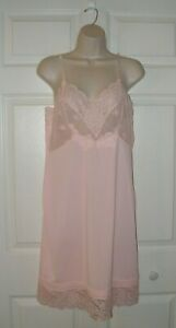 Vassarette Women's Pink Vintage Full Slip Size 36 Pretty Unique Lace Trim New
