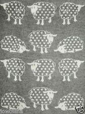 "Kuschel-Wende-Wolldecke Plaid Schaf ""Polka Dots"" 100%Wolle 130x200cm weiß/grau"
