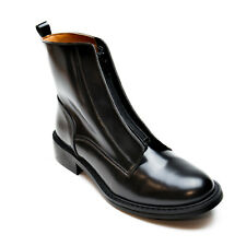 Woman vegan ankle boots closured with black zipper at the front ecological
