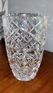 "Quality Lead Crystal Cut Glass Vase 8"" Tall Edinburgh Crystal?"