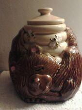 MCCOY SLEEPING BROWN HONEY BEAR BEE HIVE HONEY POT. COOKIE JAR 60'S USA #143 VTG