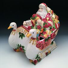 Royal Albert Old Country Roses Seasons of Color Santa in Sleigh Soup Tureen