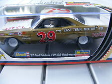 REVELL 4836 '67 Ford Fairlane 29 Dick Hutcherson