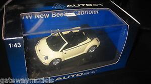 AUTOart 1.43 VOLKSWAGEN  VW NEW BEETLE CABRIOLET MELLOW YELLOW #59754