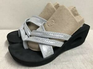 Skechers Strappy Wedge Sandals 9 US silver metallic straps oval cut out