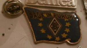 Pin seltener Borussia Mönchengladbach Back to Europe Fahne Pin * Sammlerzustand