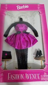 BARBIE FASHION AVENUE COLLECTION SET Purple Dress