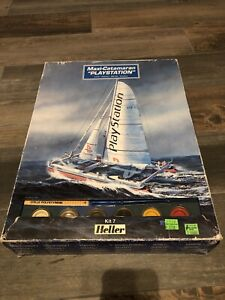 "Heller 1/125 Scale Maxi-Catamaran ""Playstation"" Model Kit"