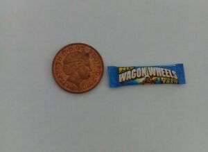 1/12 Scale - Packet of Wagon Wheels Biscuits for Dollshouse Miniatures