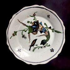 Assiette au corbeau et à la corne d'abondance en faïence de Nevers XVIIIe - 18e