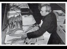LE PRE-SAINT-GERVAIS (93) STAND MARCHAND de POISSONS au Marché Couvert en 1989