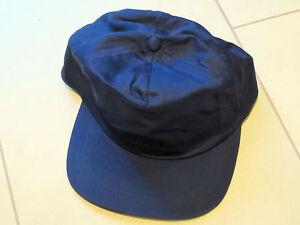 Baseballkappe (base cap) in dunkelblau in Einheitsgröße, hinten verstellbar
