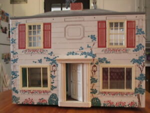 Vintage 1940s Doll House