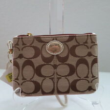 NWT COACH SUTTON SIGNATURE TIEBACK SMALL WRISTLET 47098 KHAKI/GOLD