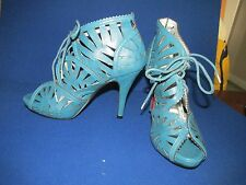 BNWOT GHILLE CUT OUT SHOES BLUE SIZE 5