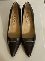 Tod's Dk Brown Leather Pump Heels Metal Logo Size 37 / 6.5 US - GREAT CONDITION!