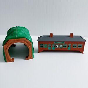 Thomas The Tank Engine Trackmaster Green Tunnel & Ffarquhar Station Toys