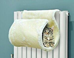 SIMPLY 4 PETS Super Soft Washable Radiator Curled White Cat Radiator Bed