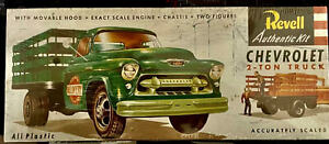 Vintage Revell Model Kit Chevrolet 2-Ton Delivery Truck H-1401 Sealed New In Box