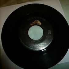 SURF 45RPM RECORD-THE ASTRONAUTS-RCA 8298