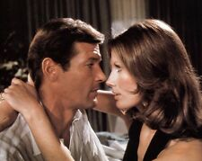 Sir Roger Moore & Maud Adams 8x10 Photo - JAMES BOND - OCTOPUSSY - H1