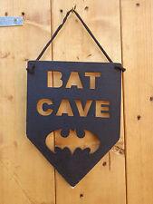 Corte de mano hecha a mano de madera Bat Cave signo Negro Batman