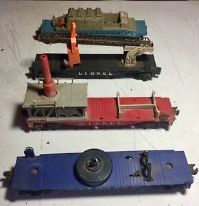 Lot of post war Lionel cars and accessories